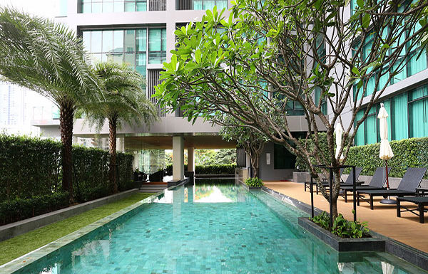 The-Room-Sumhumvit-21-Bangkok-condo-for-sale-swimming-pool