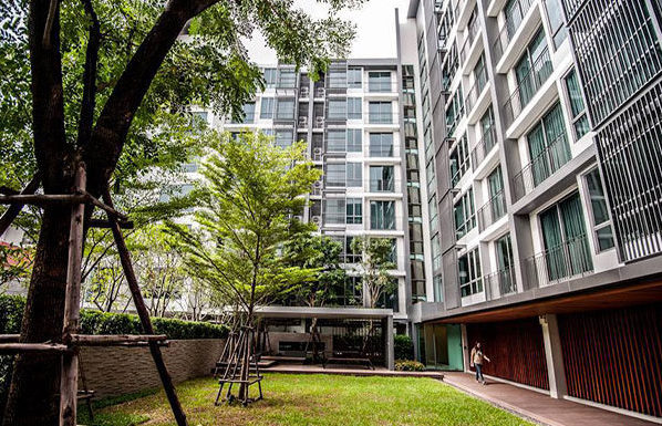 The-Room-Sukhumvit-40-Bangkok-condo-for-sale-common-area-2-600x385