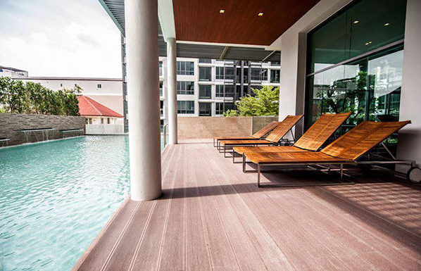 The-Room-Sukhumvit-40-Bangkok-condo-for-sale-swimming-pool-600x385